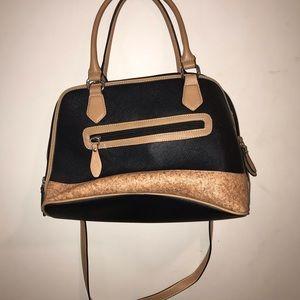 Beautiful cream and black Gianni Bernini tote bag